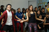 Kiara Advani Black Tank Top Tight leggings Tu Cheez Badi Hai Mast Mast~  Exclusive 18.JPG