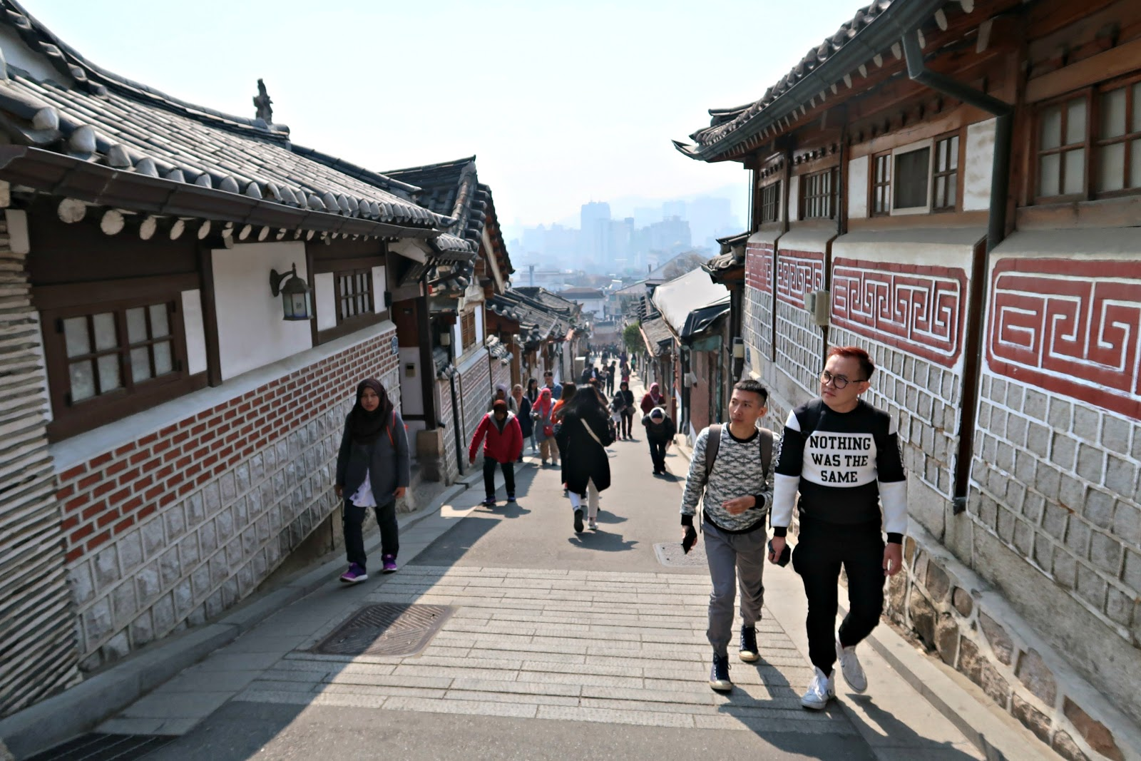 top things to do in seoul south korea, n seoul tower, gwanghwamun, Bukchon Hanok Village, myeongdong street, dongdaemun, namdaemun, korean street food, review, itinerary, seoul travel guide, cheonggyecheon stream