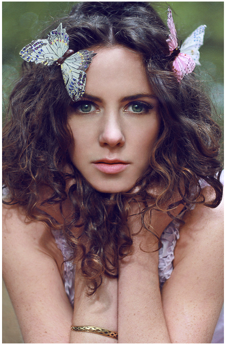 Amy Manson Nude Photos 3