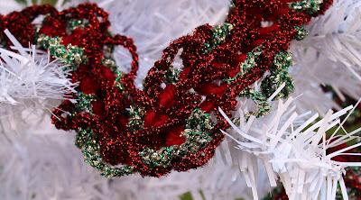 joulukuusen-virkattu-koristenauha
