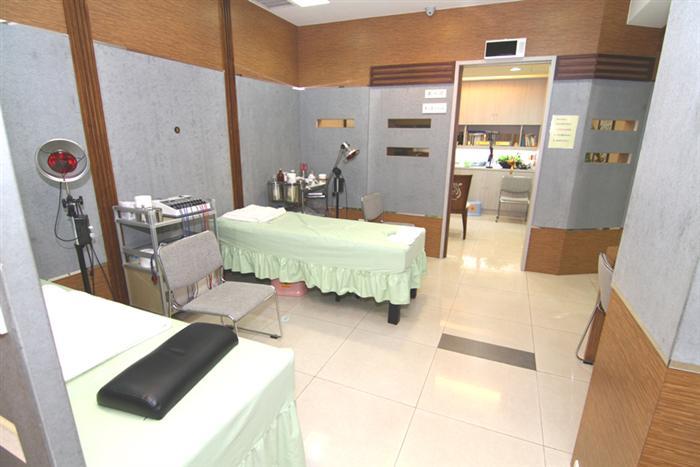 傑齡設計工程有限公司: Q20B骨科診所裝潢設計