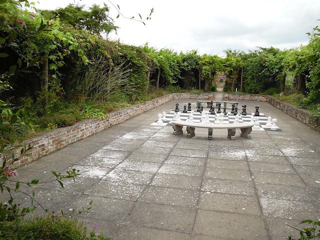 ogrodowe szachy