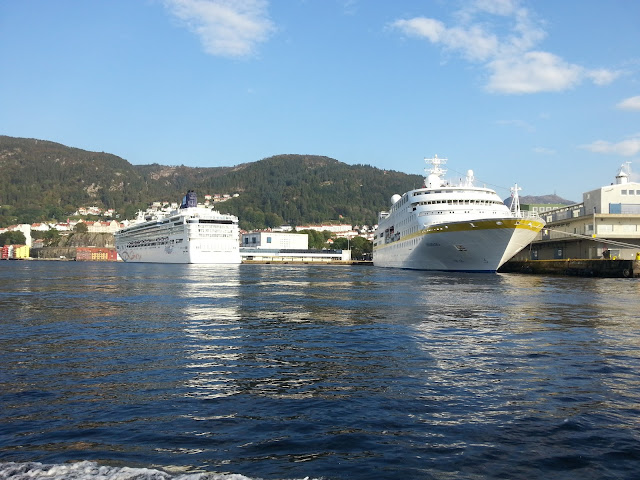Cruise ships Norwegain Star and Hamburg in Bergen, Norway