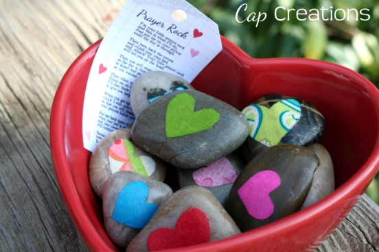 http://blog.capscreations.com/2012/02/prayer-rock-valentine.html