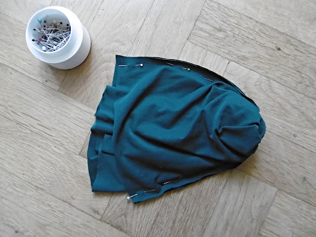 DIY,plavky, tutorial,jak usit,podprsenka,cerna