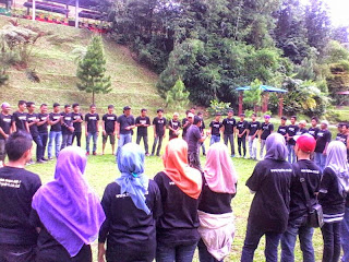 Serunya Outbound Family Gathering di Lembah Mandiri (Puri Mandiri) - Gadog | PAKET OUTBOUND FAMILY GATHERING PUNCAK BOGOR | TEAM BUILDING | OUTING | RAFTING | PAINTBALL
