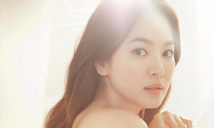 Học lỏm tuyệt chiêu trị mụn của nữ hoàng mặt mộc Song Hye Kyo -1
