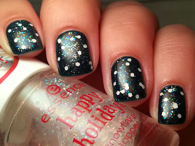 http://lackliebe.blogspot.de/2013/11/topper-time-essence-snowflake-topper.html