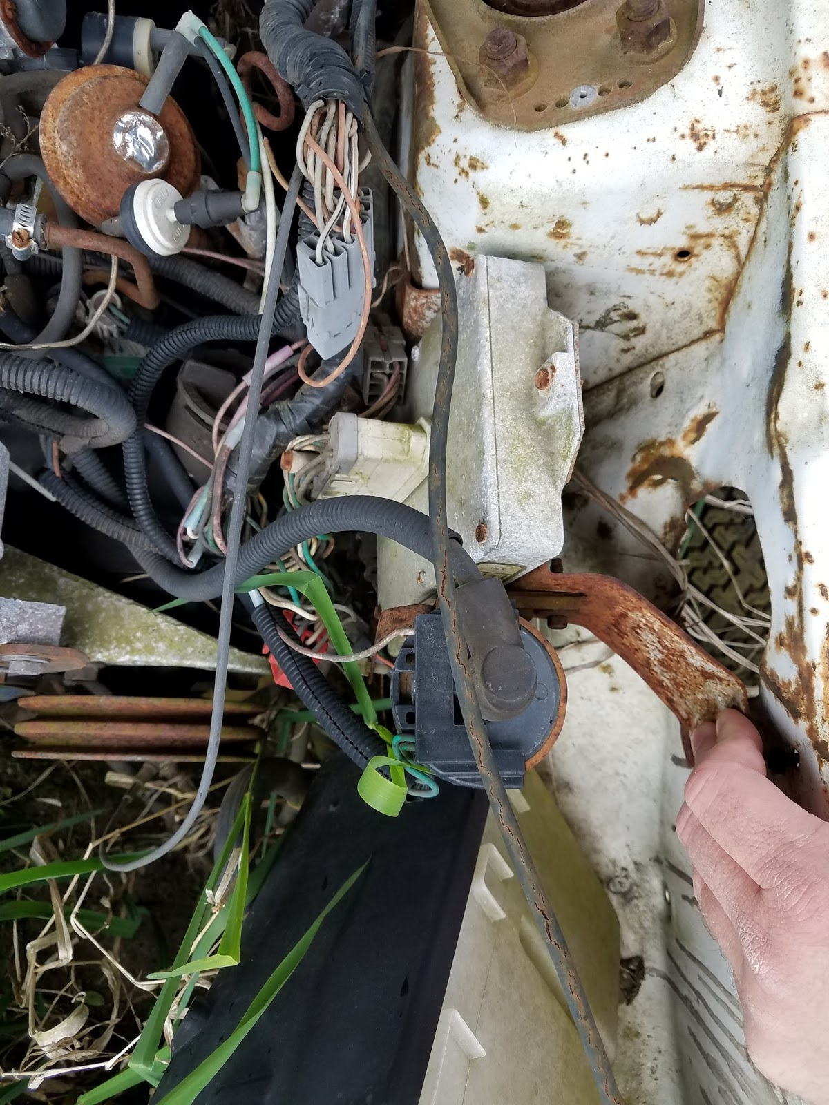 Fox Body Mustang Restoration 1979 Ford Wire Harness Extraction Emission Wiring I Did Not Have The Luxury Of Having Everything There When Bought My Car Actually Was Missing All Emissions Hardware