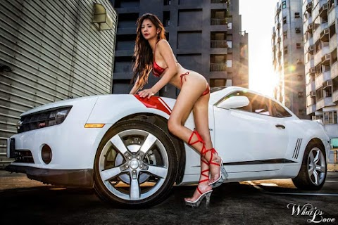 Car & Babes: Girls with long sexy legs standing with sporty cars [20pics]
