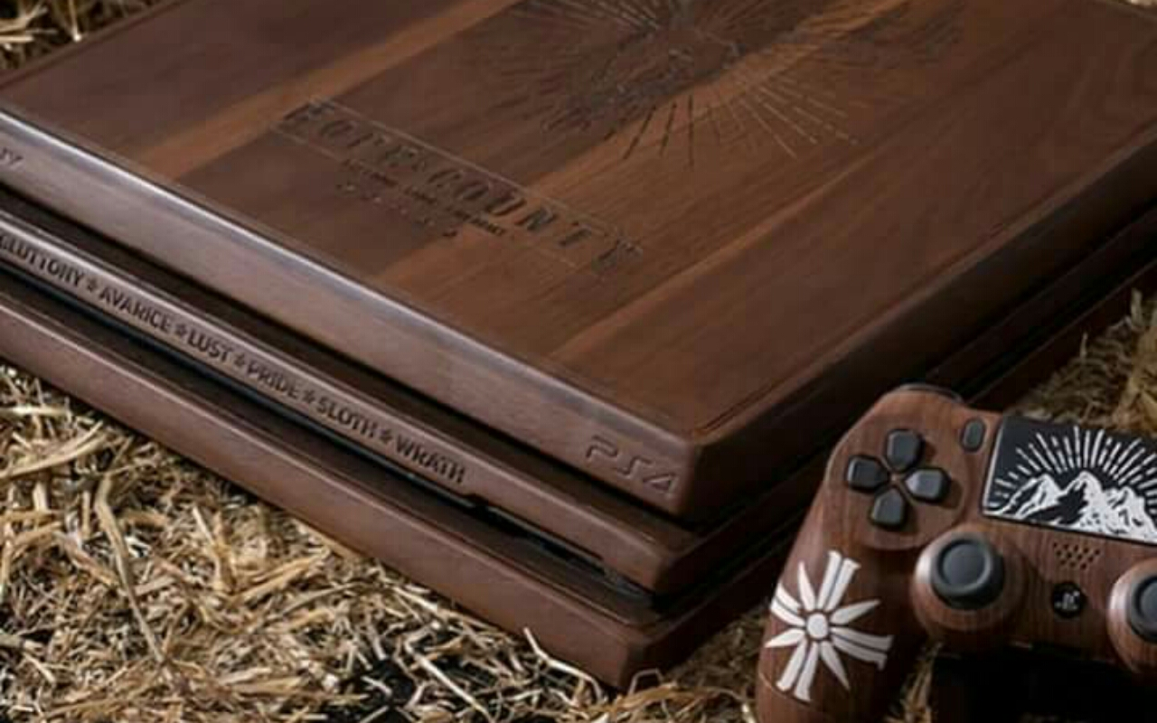 custom made wooden FarCry 5 Pro and Dualshock Controller