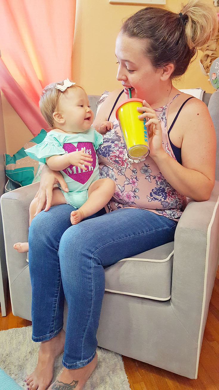 Breastfeeding isn't easy, no matter what! But these 8 MUST HAVE items make nursing a little more comfortable for both mama and baby! #SmartasAMother
