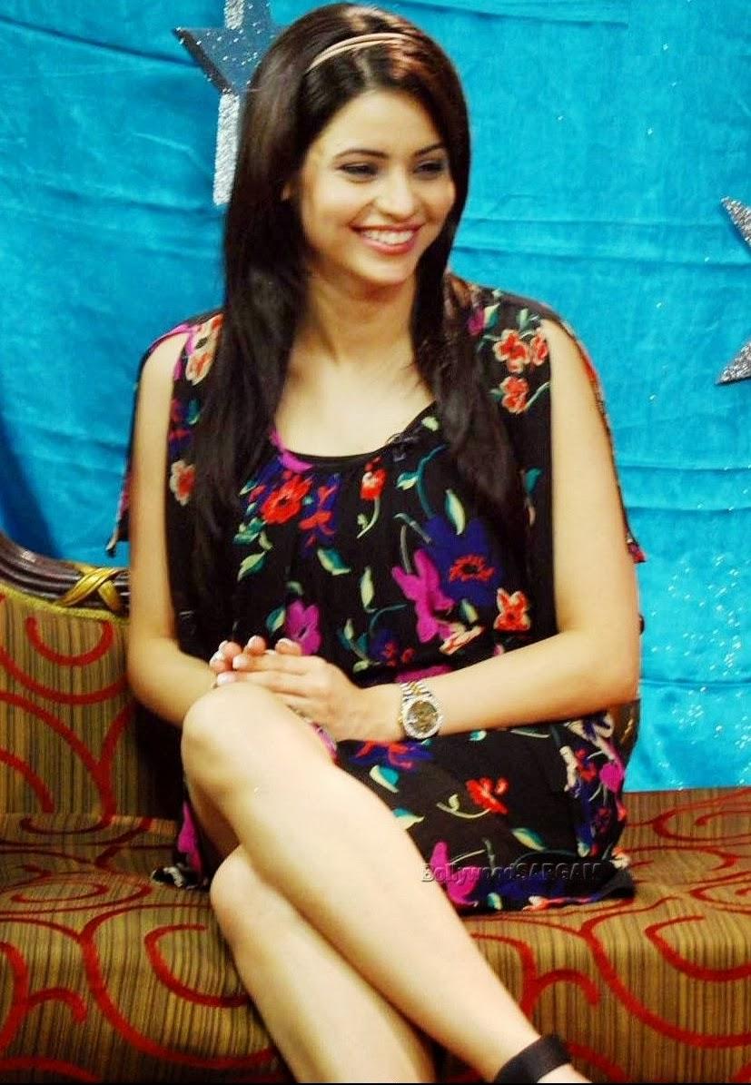 Sexy Aamna Shariff 35