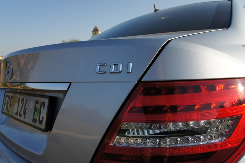 aMotion: Mercedes Benz C350 CDI BlueEFFICIENCY – A butterfly