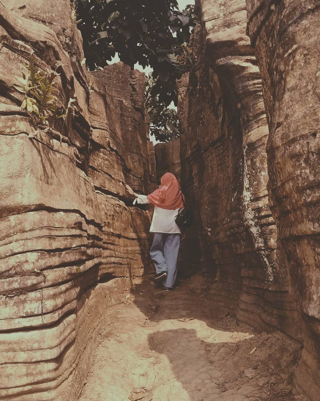 Goa Agung Garunggang by wulanardians_