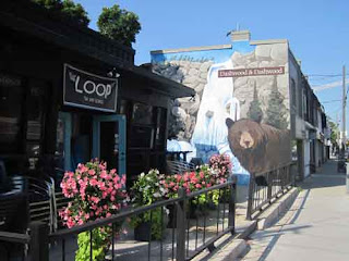 The Loop restaurant Scarborough and Bear Mural
