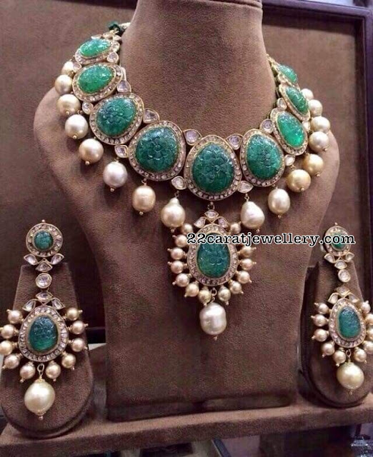 Emerald Floal Deisgn Uncut Diamond Necklace