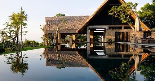 Tropical Mansion Exterior