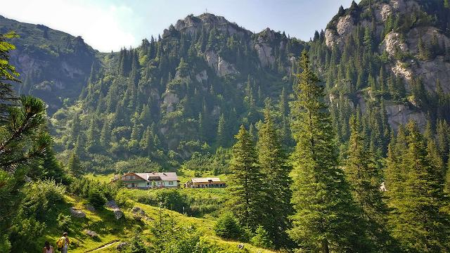 Traseu în munții Bucegi: Cabana Diham, Pichetul Roșu, La Prepeleac, Cabana Mălăiești și retur prin Valea Glăjăriei