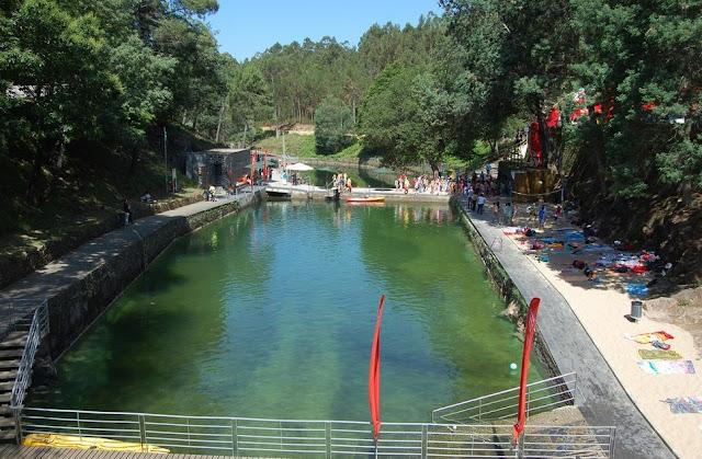 Mala de viagem praias fluviais de portugal parte i for Hoteis zona centro com piscina interior