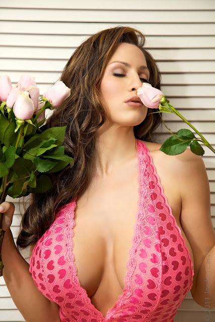 Jordan-Carver-Valentine-sexy-photo-shoot-HD-image-29