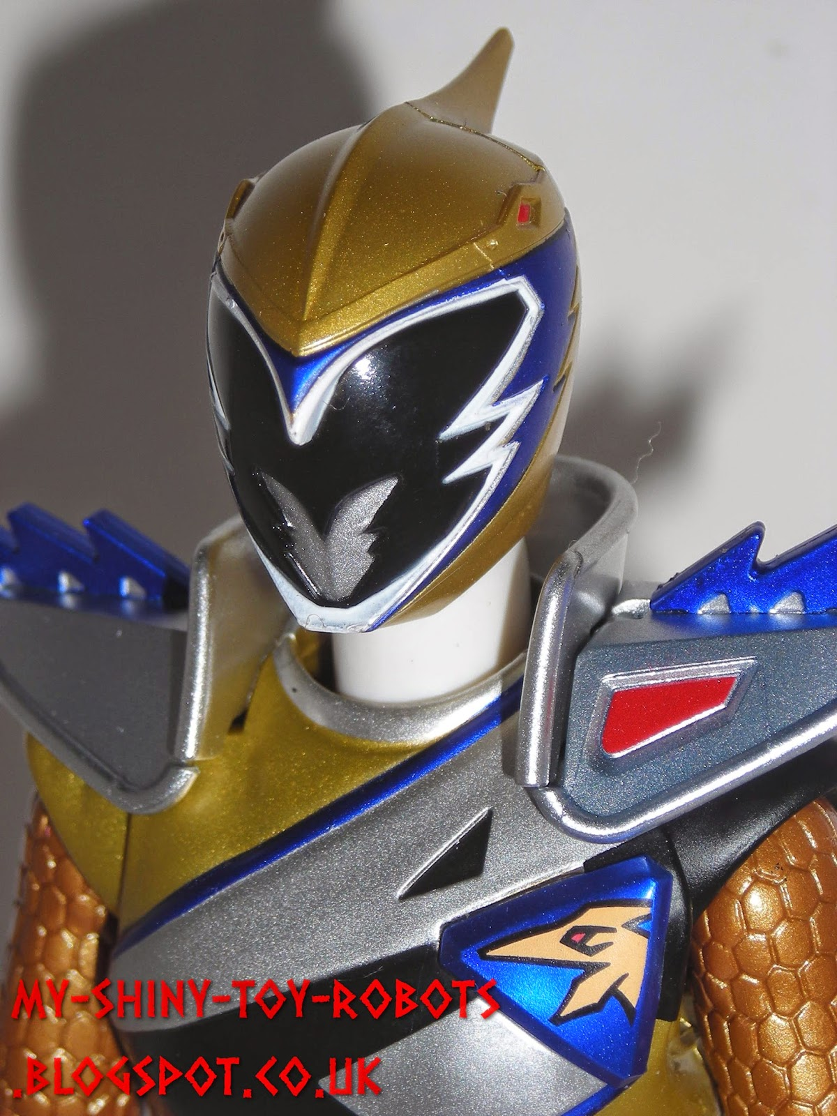 S.H. Figuarts Kyoryu Gold