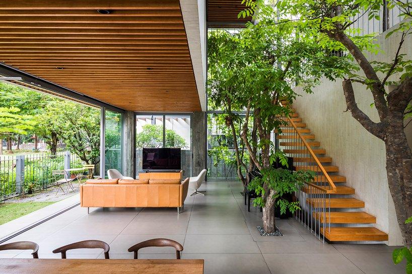 nội thất ngôi nhà đầy cây xanh