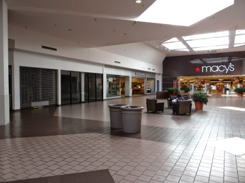 Rotterdam Square Mall Shoe Stores