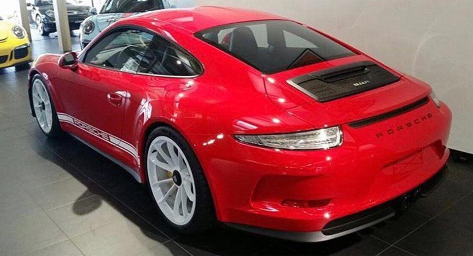 Rosso-Corsa-Porsche-911R.jpg