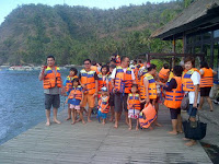 Amuk-Bay-Laura-group-tour-Bali
