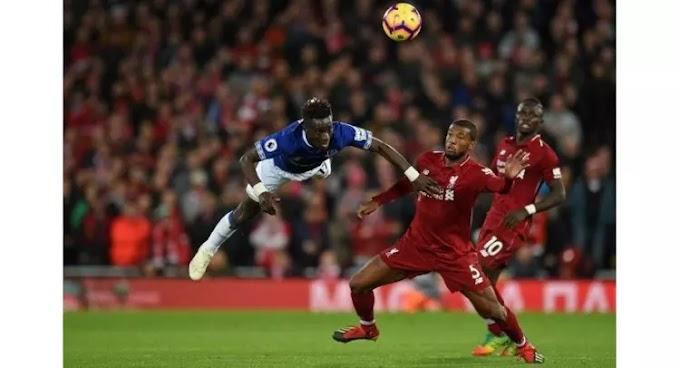 Divock stun Everton with freak goal as Arsenal hearts