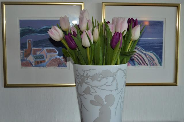 Vi feirer tulipanene dag - Tulipaner i vase.