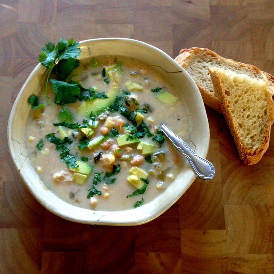 Peaceful Cooking: Slow Cooker White Chicken Chili #SundaySupper