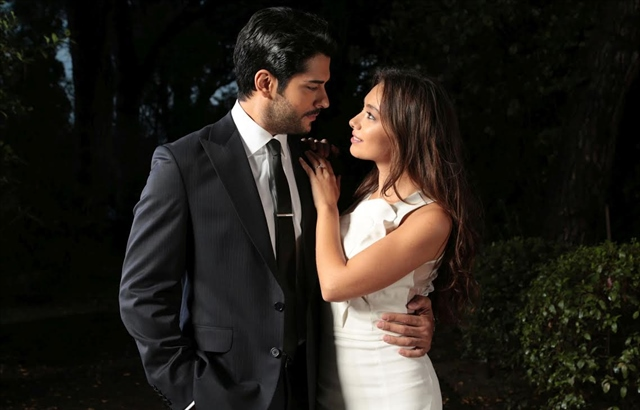 2017 International Emmy Telenovela Winner, Kara Sevda (Endless Love) is the first Turkish series who won an Emmy Award!