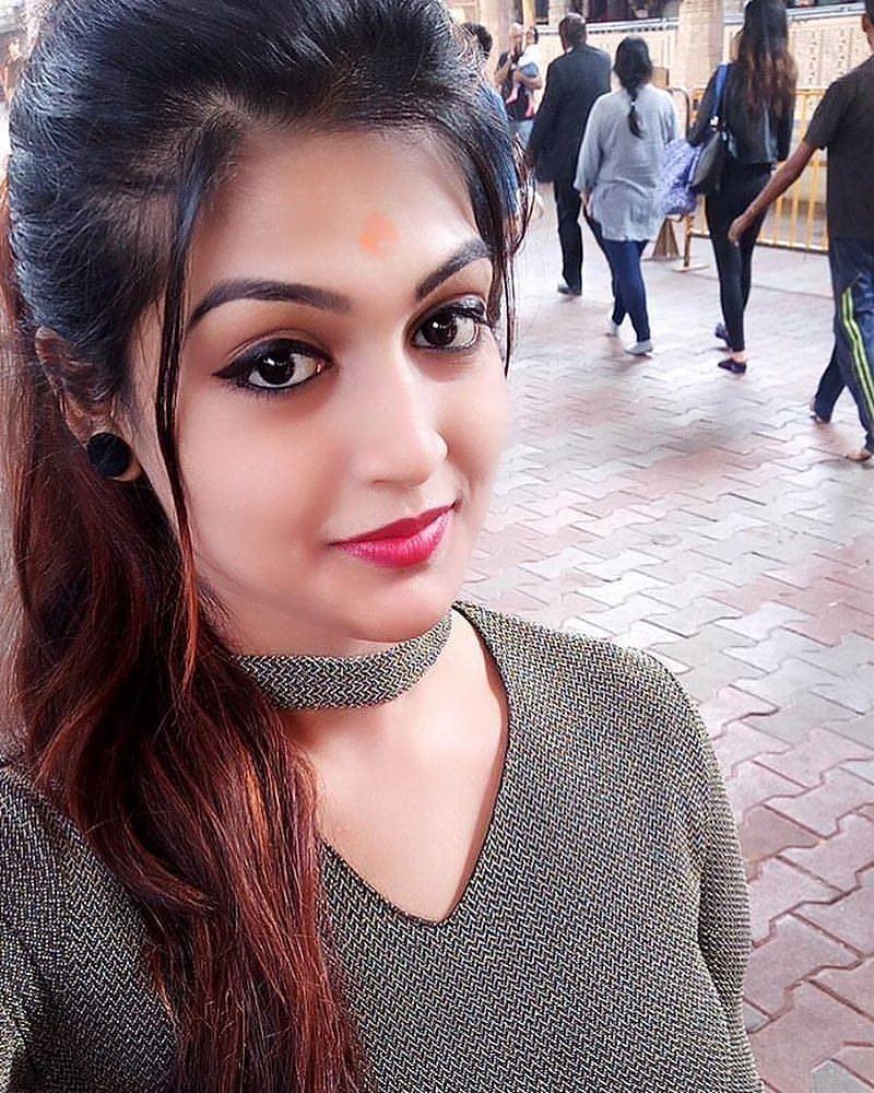 Tik Tok Beautiful Selfie Girls: Saumya Indian Beautiful