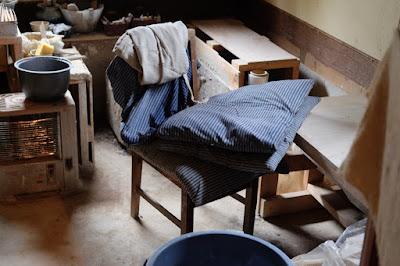 長野県生坂村の陶芸・器 白日窯 工房の椅子