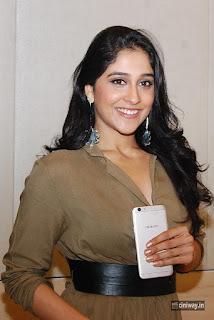 Regina Cassandra Stills at Oppo F1s Mobile Launch