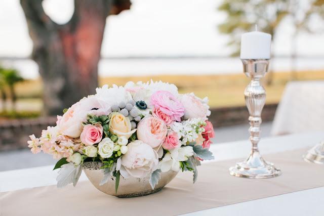 shabby+chic+wedding+spring+summer+pastel+champagne+pink+black+white+bride+groom+bouquet+ceremony+centerpiece+floral+flower+bridesmaid+dresses+dress+riverland+studios+15 - Charleston Pastel