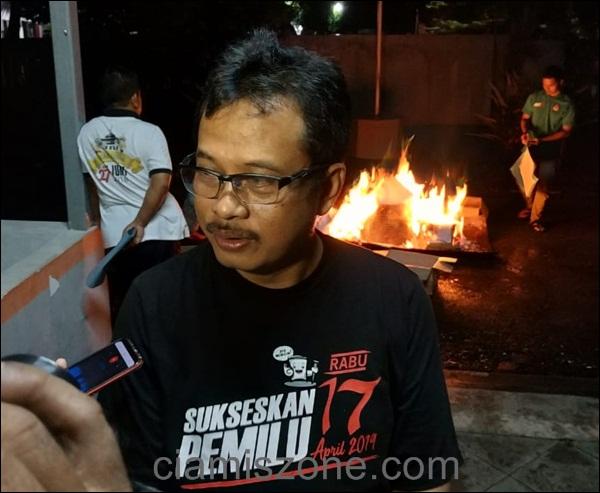 H-1 Pencoblosan, Ribuan Surat Suara Pemilu Dibakar