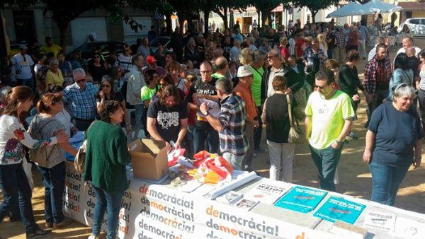 Entregan papeletas para referendo independentista de Cataluña