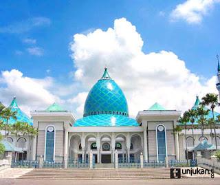 masjid Al Akbar Surabaya - Inilah 5 masjid termegah dan terbesar di Indonesia