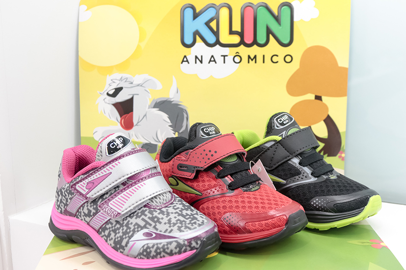 d01d8b3a5b5 Marca famosa de calçados lança tênis infantil com chip