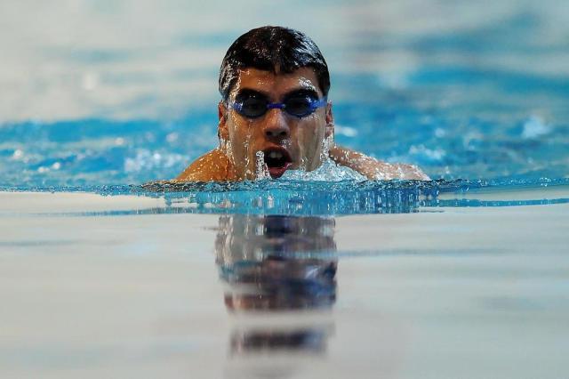 ab96655d1 TUDO SOBRE NATAÇÃO  Treino com Snorkel frontal para natação