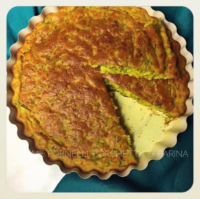 Soffice torta salata alla curcuma
