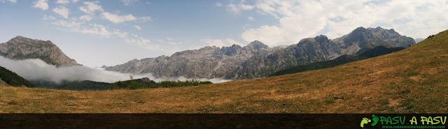 Panorámica desde el Collado Boa Neón sobre los Picos de Europa