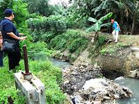 Pemdes Cebolek Beri Sanksi Tegas Bagi Pembuang Sampah di Sungai