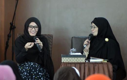 Karena Lihat Iklan Sirup, Jomblo Cantik Ini Masuk Islam
