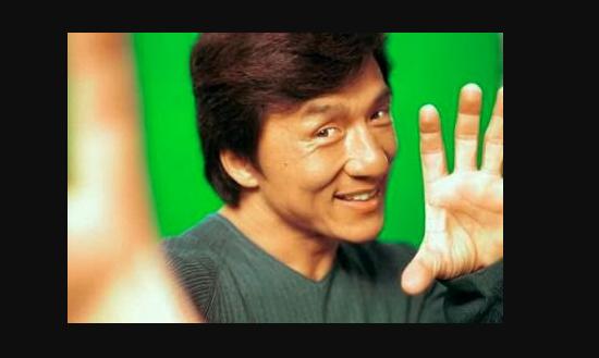 جاكى شان حرم إبنه من 130 مليون دولار ويتبرع بها للجمعيات الخيرية والسبب غريب جدا !