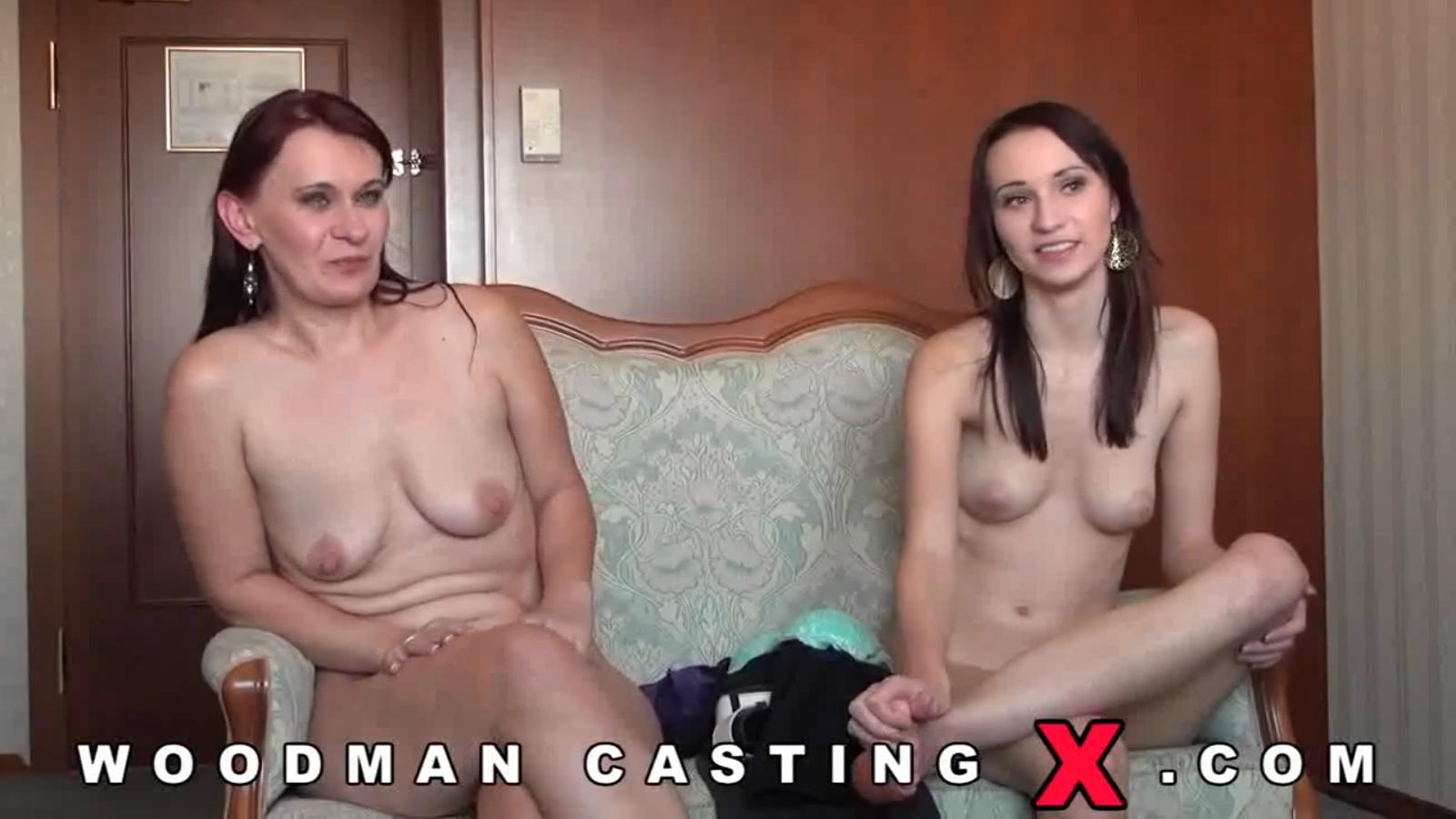 Порно видео с переводом кастинг матери и дочери