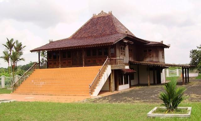 Mengenal Rumah Limas, Rumah Adab Sumatera Selatan Yang Luas Dan Bertingkat-Tingkat